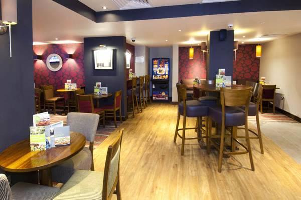 Premier Inn Blackfriars Fleet Street Pictures