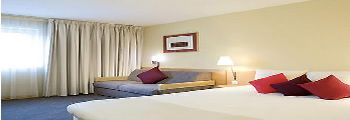 novotel heathrow - Bedroom