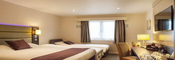 Premier Inn Luton Town Centre - double bedroom